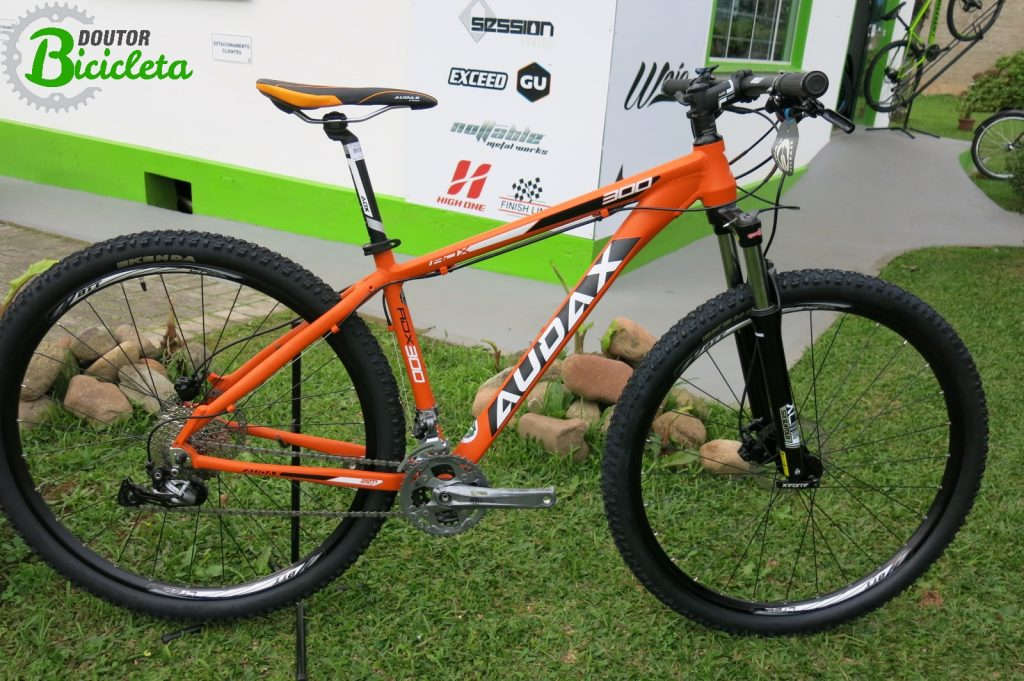 Audax ADX 300: características de uma digna Mountain Bike