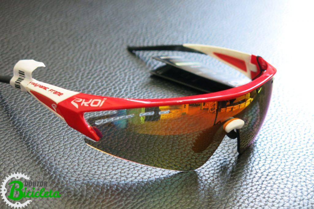 c50a59fd3b672 Óculos de ciclismo  lente de ampla proteção e campo de visão