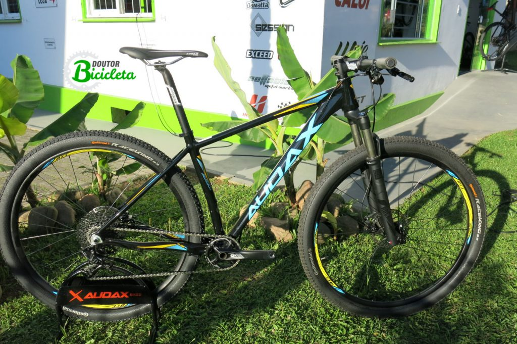 """Bicicleta Audax Auge 600 - cabeamento interno deixa o quadro com um visual mais """"limpo""""."""